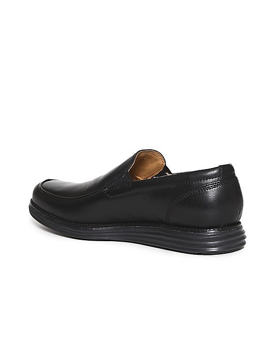 6856cb294c5 Buy Men OriginalGrand Venetian Lux Loafer online at NNNOW.com
