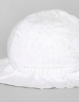 GAP Baby White Scallop Floppy Hat