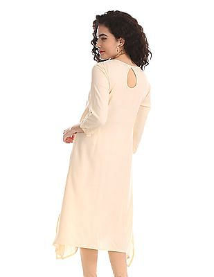 Karigari White Asymmetric Hem Embroidered Kurta