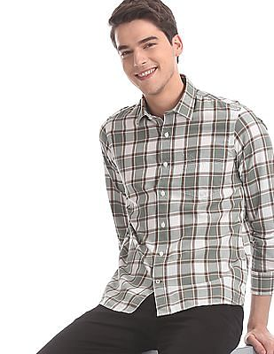 Arrow Sports Green And White Slim Fit Check Shirt