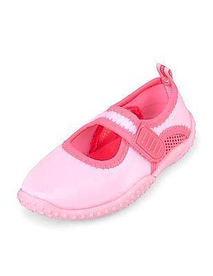 fd0c5597f46f The Children s Place Toddler Girl Perforated Panel Water Shoes