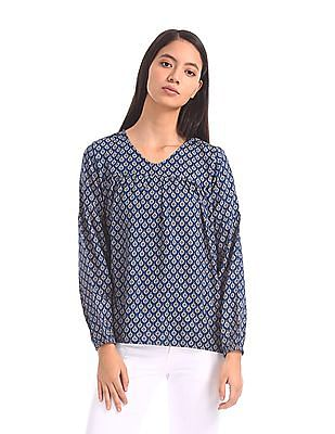 U.S. Polo Assn. Women V-Neck Printed Top